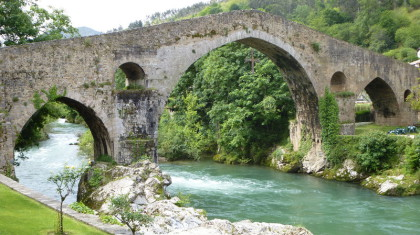 Gallaecia Sueva - Puente Romano in Cangas de Onís